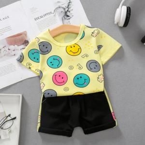 Summer Children round neck Cotton short-sleeved T-shirt + shorts set cartoon smiley pattern (yellow)