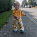 2-piece Baby / Toddler Girl Solid Ruffled Top and Floral Allover Bowknot Pants Set photo review