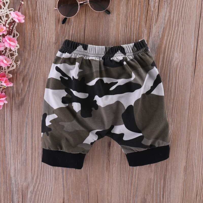 Lil King Letter Short-sleeve T-shirt and Camouflage Shorts Set