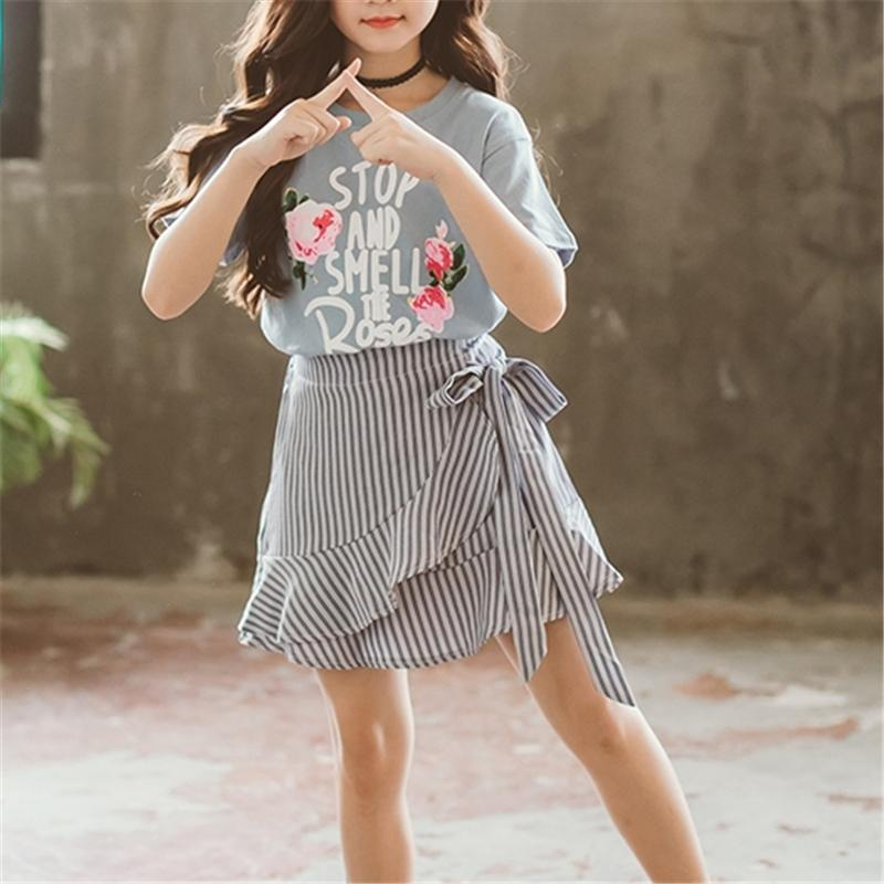 2-piece Lettern Pattern T-shirt & Skirt for Girl