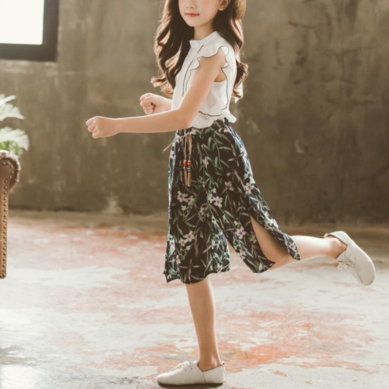 2-piece Ruffle Sleeveless Shirt & Floral Knee Length Pants for Girl